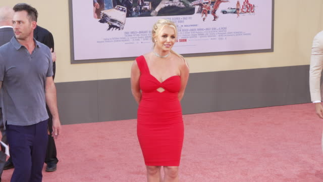stockvideo's en b-roll-footage met britney spears at the once upon a time in hollywood premiere at tcl chinese theatre on july 22 2019 in hollywood california - première
