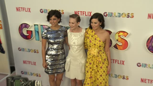 """britt robertson, sophia amoruso and ellie reed at the """"girlboss"""" los angeles premiere at arclight cinemas on april 17, 2017 in hollywood, california. - arclight cinemas hollywood stock-videos und b-roll-filmmaterial"""