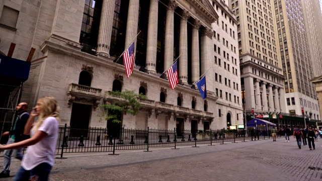 broad street and new york stock exchange - wall street video stock e b–roll