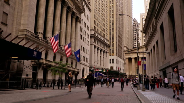 broad street and new york stock exchange - international landmark stock videos & royalty-free footage