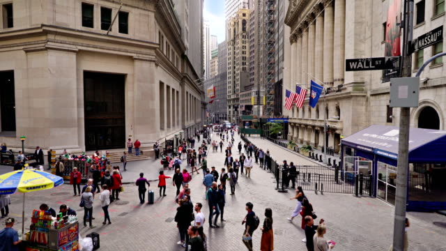broad street and new york stock exchange - new york stock exchange stock videos & royalty-free footage