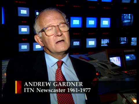 itv/itn 40th anniversary itn england london studio andrew gardner intvw sot news at ten originally scheduled for just 13 weeks - itv news at ten stock videos & royalty-free footage