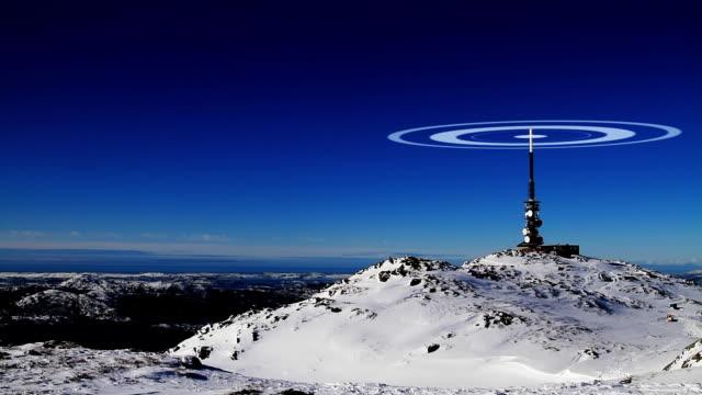 torre di trasmissione - emissione radio televisiva video stock e b–roll