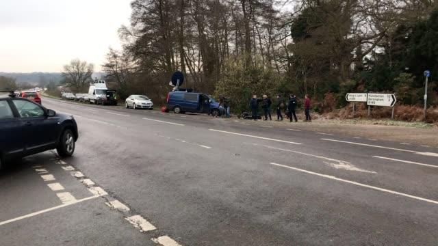 vidéos et rushes de broken glass and car parts on the side of the a149 near to the sandringham estate where the duke of edinburgh was involved in a road accident... - prince philip