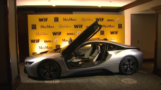 stockvideo's en b-roll-footage met roll at the 2014 women in film crystal lucy awards presented by max mara bmw perrierjouet and south coast plaza at the hyatt regency century plaza on... - century plaza