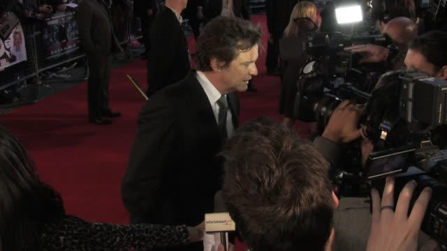 vídeos de stock, filmes e b-roll de colin firth talks to news crews at the uk premiere of tinker tailor soldier spy broll colin firth talks to news crews at bfi southbank on september... - colin firth