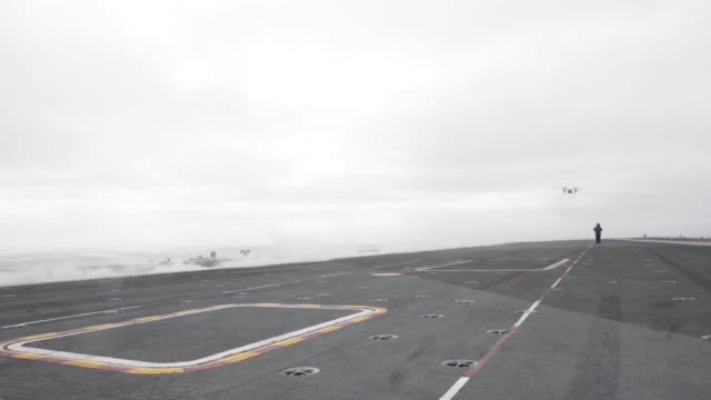 Broll footage of an C2D Greyhound aboard the aircraft carrier USS Nimitz The Nimitz Carrier Strike Group is on a regulary scheduled deployment in the...