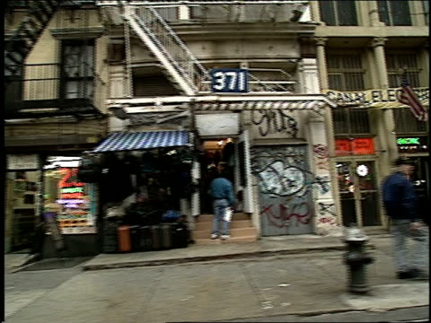 roll of 1994 canal street in new york city filmed from a moving car - anno 1994 video stock e b–roll