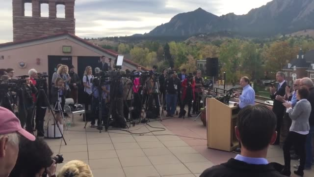 Broll of attendees at the University of Colorado in Boulder to listen to Martin O'Malley speak on gun violence