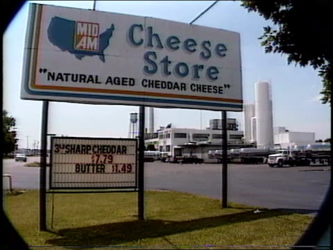 roll of cheese store sign - 1990年点の映像素材/bロール