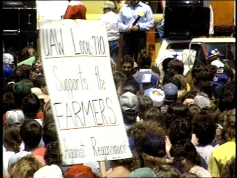 stockvideo's en b-roll-footage met broll of farmers protesting raganomics - chillicothe