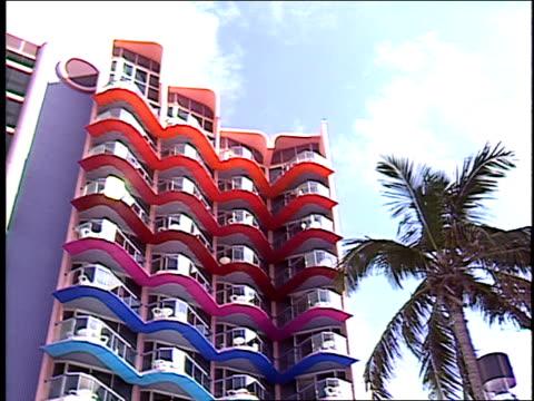 vídeos y material grabado en eventos de stock de broll of hotel b in the bahamas - crucero vacaciones