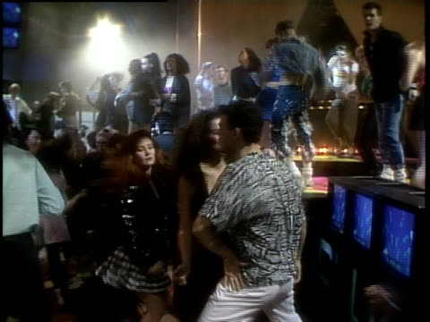 vidéos et rushes de roll of people dancing - 1980 1989