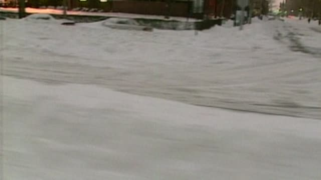 vídeos de stock, filmes e b-roll de broll of the blizzard of 1996 a twoday event in january was notable for its massive snow totals up and down the eastern seaboardon january 06 1996 in... - 1996
