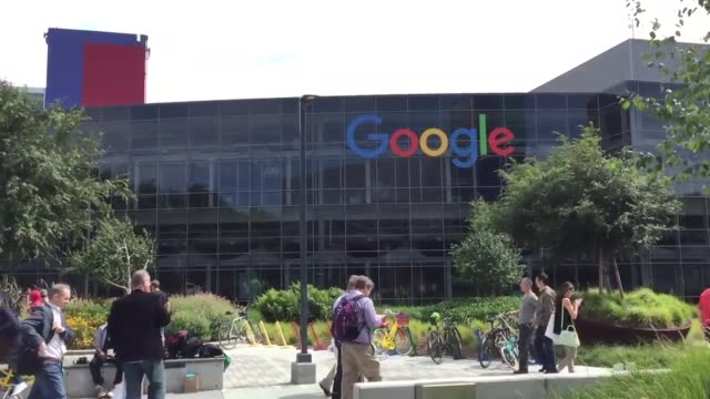 broll of the google building during google's i/o conference on wednesday the company revealed that it would take ideas on the name of its new android... - 本部点の映像素材/bロール