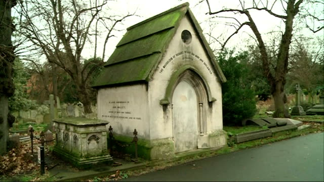 vídeos de stock e filmes b-roll de brompton cemetery awarded 37 million pounds of lottery money for restoration england london kensington and chelsea brompton cemetery ext general... - cemitério