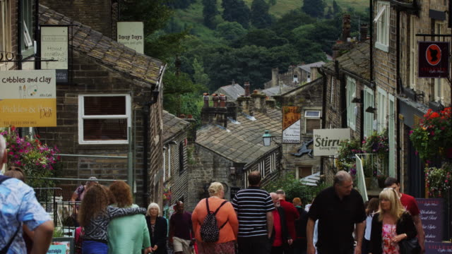 vídeos de stock, filmes e b-roll de bronte country tourism - yorkshire