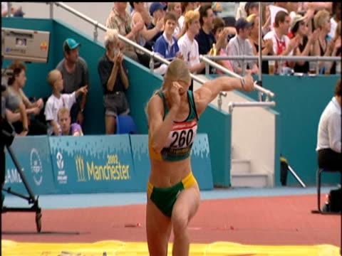 bronwyn thompson women's long jump - lanci e salti femminile video stock e b–roll