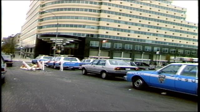 vídeos de stock, filmes e b-roll de bronx streets from a moving car - bronx