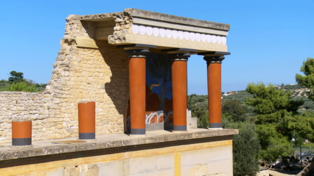 WS Bronze age minoan archaeological site of Knossos Palace / Greece