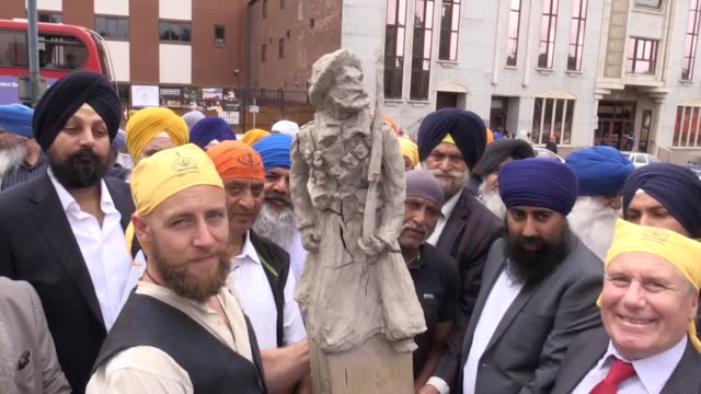 "A bronze statue honouring the ""unmeasurable"" contribution of Sikh soldiers during the First World War has been commissioned to mark the centenary of..."