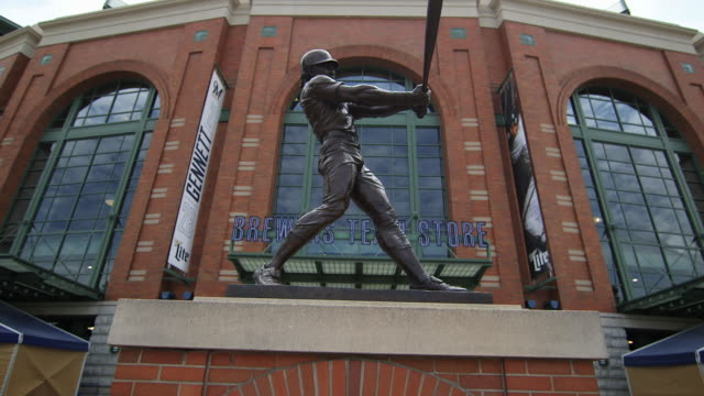 bronze statue of robin yount, hall of famer - hall of fame stock videos and b-roll footage