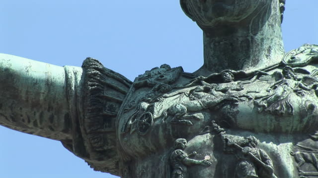 zo bronze statue of roman emperor nerva / rome, italy - statue stock videos & royalty-free footage