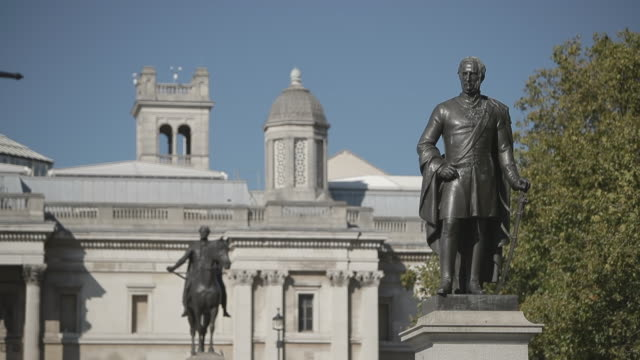 bronze statues at national gallery / london, uk - stone object stock videos & royalty-free footage