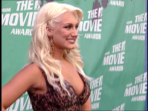 Brooke Hogan Posing and Walking the 2006 MTV Movie Awards Red Carpet