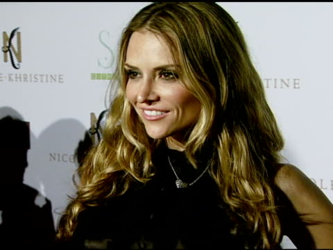 brooke mueller at the nicole khristine jewelry launch featuring dj am, grandmaster flash and macy gray performing the first ever turntable symphony... - macy gray stock videos & royalty-free footage