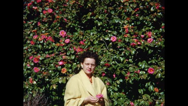 vidéos et rushes de 1954 home movie brookgreen gardens / murrells inlet, south carolina  - 1954