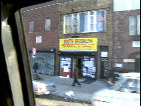 vídeos y material grabado en eventos de stock de pov of brooklyn as seen from inside nyc bus - 1993