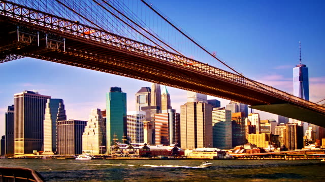 brooklyn bridge and business district - lowering stock videos & royalty-free footage