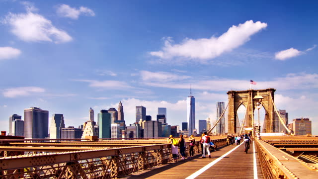 brooklyn bridge and downtown background - brooklyn bridge stock videos & royalty-free footage