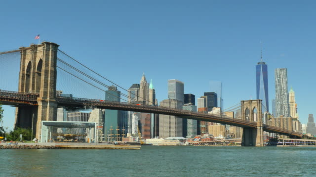brooklyn bridge and manhattan skyline. - real time footage stock videos & royalty-free footage