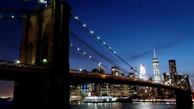 brooklyn bridge at night; descent - brooklyn bridge stock videos & royalty-free footage