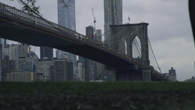 brooklyn bridge - dolly shot - 少於10秒 個影片檔及 b 捲影像