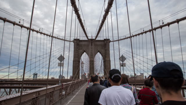 brooklyn bridge - hyper lapse stock video - brooklyn bridge stock videos & royalty-free footage