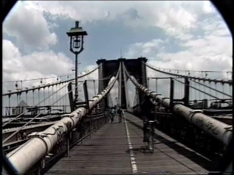 brooklyn bridge in the 1990s - brooklyn bridge stock videos & royalty-free footage