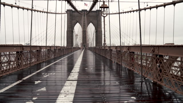 brooklyn bridge - diminishing perspective stock videos & royalty-free footage