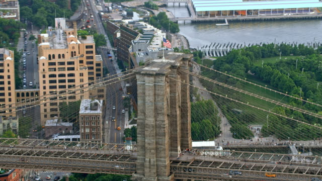 aerial brooklyn bridge - brooklyn bridge stock videos & royalty-free footage
