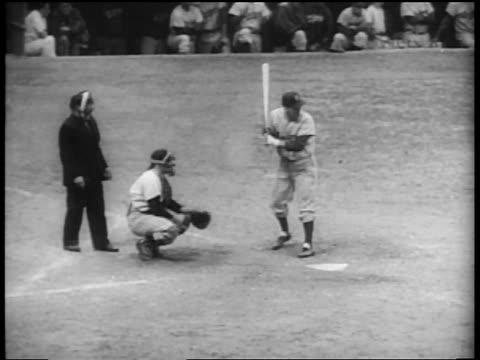 brooklyn dodger carl furillo at bat waiting for pitch / world series / yankee stadium - baseballmannschaft stock-videos und b-roll-filmmaterial
