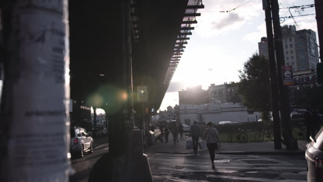 brooklyn intersection at sunset. - eastern usa stock videos & royalty-free footage
