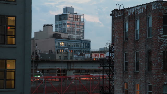 brooklyn timelapse with buildings and trains - foxhound stock videos & royalty-free footage