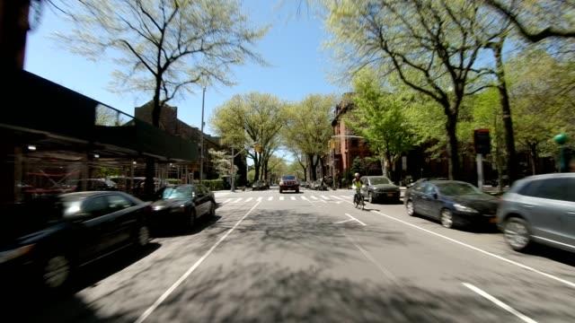 ブルックリン xxvi 同期シリーズリアビュードライビングスタジオプロセスプレート - part of a series点の映像素材/bロール