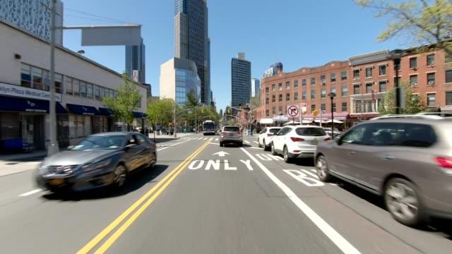 ブルックリン xxxi 同期シリーズフロントビュードライビングスタジオプロセスプレート - 車の視点点の映像素材/bロール