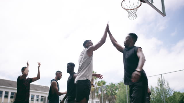 Irmãos que jogam juntos ganham juntos