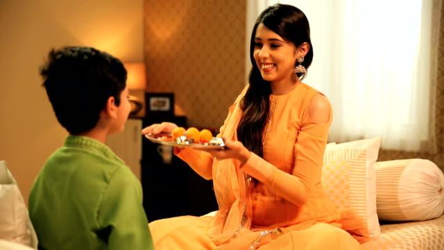 Raksha Bandhan Videoer Og B-Roll Footage Getty Images-3103