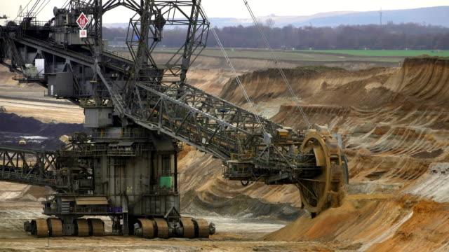 brown coal mining in garzweiler, north rhine-westphalia, germany - coal mine stock videos & royalty-free footage