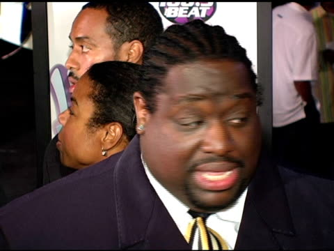 bruce bruce at the hair show premiere arrivals at the magic johnson theaters in los angeles california on october 14 2004 - magic johnson stock videos and b-roll footage